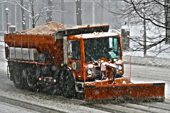 snow_plow_saltspreader_800x532