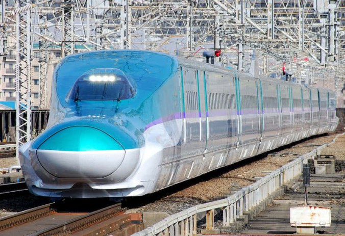 E5-Series-Shinkansen-Hayabusa